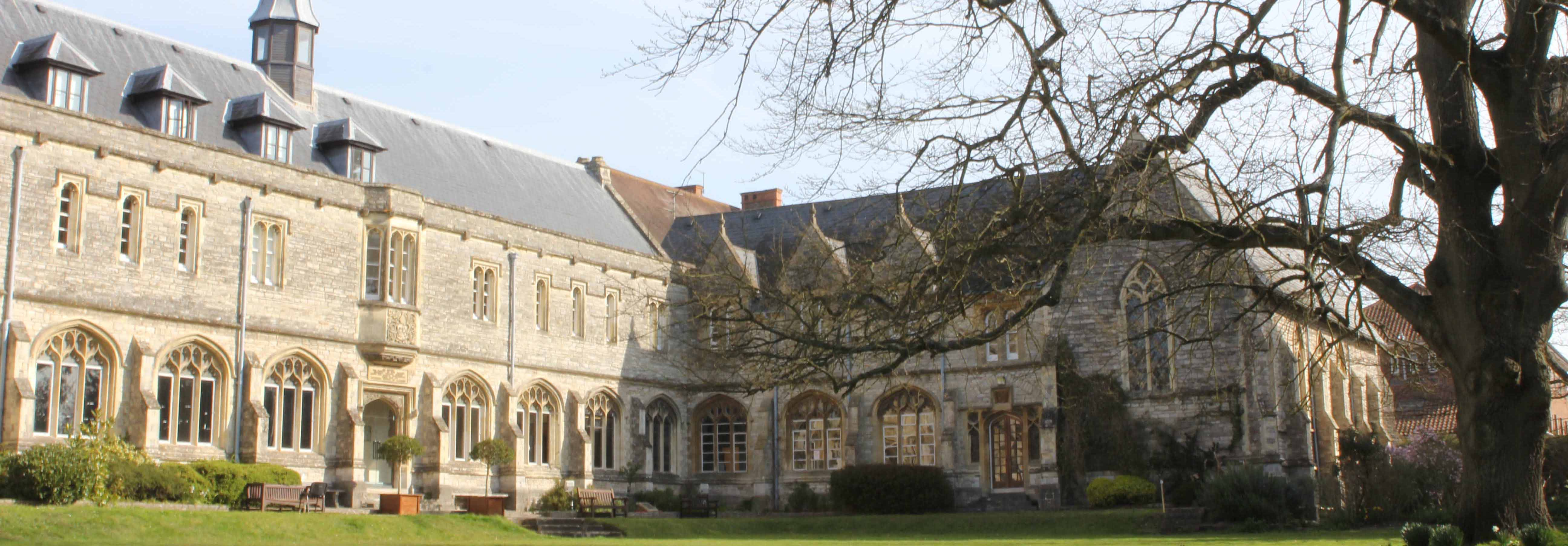 the similarities of medieval and modern universities Research: dr emily mclaughlin works on contemporary french poetry and philosophy, with a special focus on ecocriticism and ecological thought.