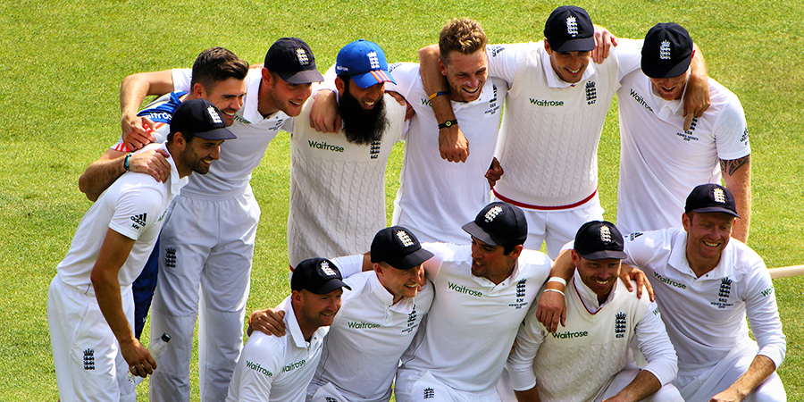 England Cricket Team winning The Ashes in 2015